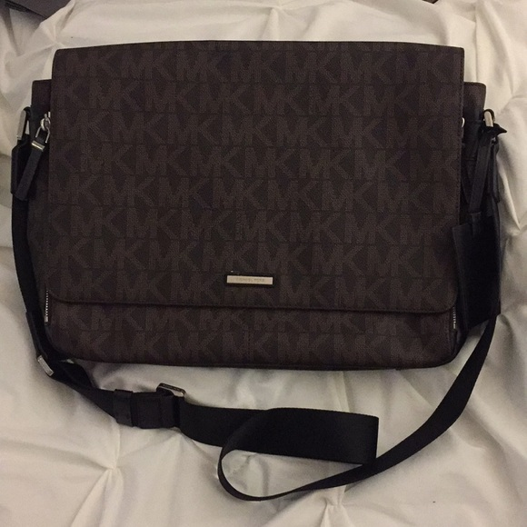 76907eda6 Michael Kors Bags | Laptop Bag | Poshmark